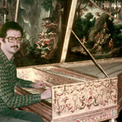 Playing a Taskin French harpsichord in Paris
