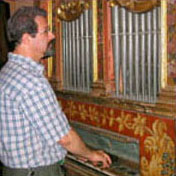 Playing a Baroque organ with early fingerings